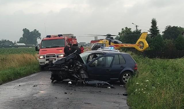 Śmiertelny wypadek drogowy koło Skomlina w powiecie wieluńskim.