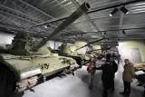 Muzeum Broni Pancernej w Poznaniu otwarte. Zobacz, jak wygląda w środku. Sprawdź, ile kosztują bilety [ZDJĘCIA, ADRES]