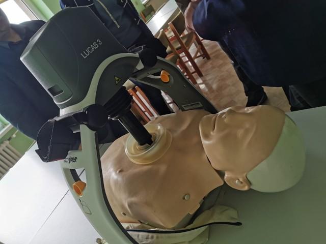 Nowoczesne urządzenie wykonuje masaż serca w pełni automatycznie i bez żadnych pauz.