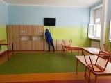 Szkoły miejskie w Łodzi otwarte, ale uczniów niewielu