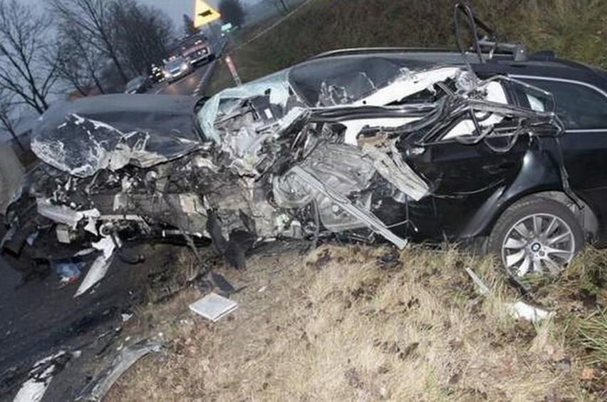 W tym wypadku kierowca nie miał szans. Zginął na miejscu