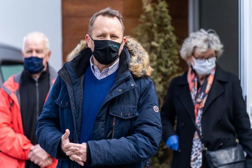 """Ks. Jan Kaczkowski patronem skweru i Domu Gościnnego LukLuk w Sopocie. """"Jego kolejna idea zamienia się w czyn"""""""