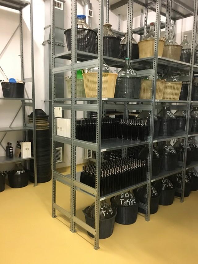 Nalevka Polska to lubelska manufaktura produkująca alkohole na bazie dereni i czeremchy