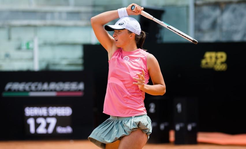 WTA Rzym. Iga Świątek nokautuje w finale Karolinę Pliskovą. Drugi tytuł Polki w 2021 roku i debiut w TOP-10 rankingu WTA [WIDEO]