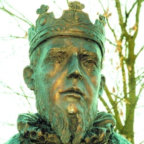 """To Zygmunt August, którego pomnik stoi w Knyszynie, """"wymyślił"""" to miasto"""