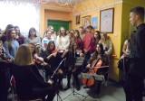 Zwykłe odwiedziny dające ogromną radość. Kto zawitał do Zakładu Pielęgnacyjno-Opiekuńczego w Tarnobrzegu?