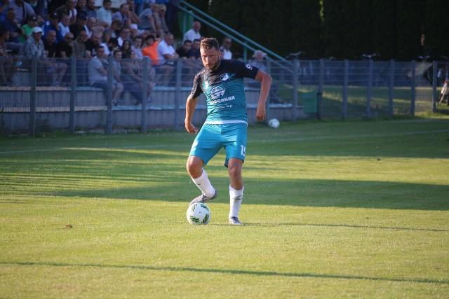 Na zdjęciu Grzegorz Bonin, grający asystent trenera Chełmianki