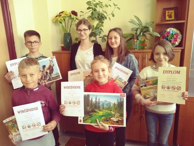 Uczniowie najlepszych prac ze szkoły podstawowej w Rusinowie zostali nagrodzeni.