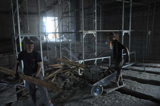 Pierwotnie remont miał kosztować ok. 4 milionów złotych. Dodatkowe prace sprawiły, że będzie on o 1,6 miliona droższy.