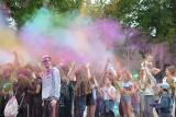 Winobranie 2020. Śmiech, zabawa i feeria barw! Tak wyglądało Święto Kolorów Holi przy Centrum Przyrodniczym w Zielonej Górze