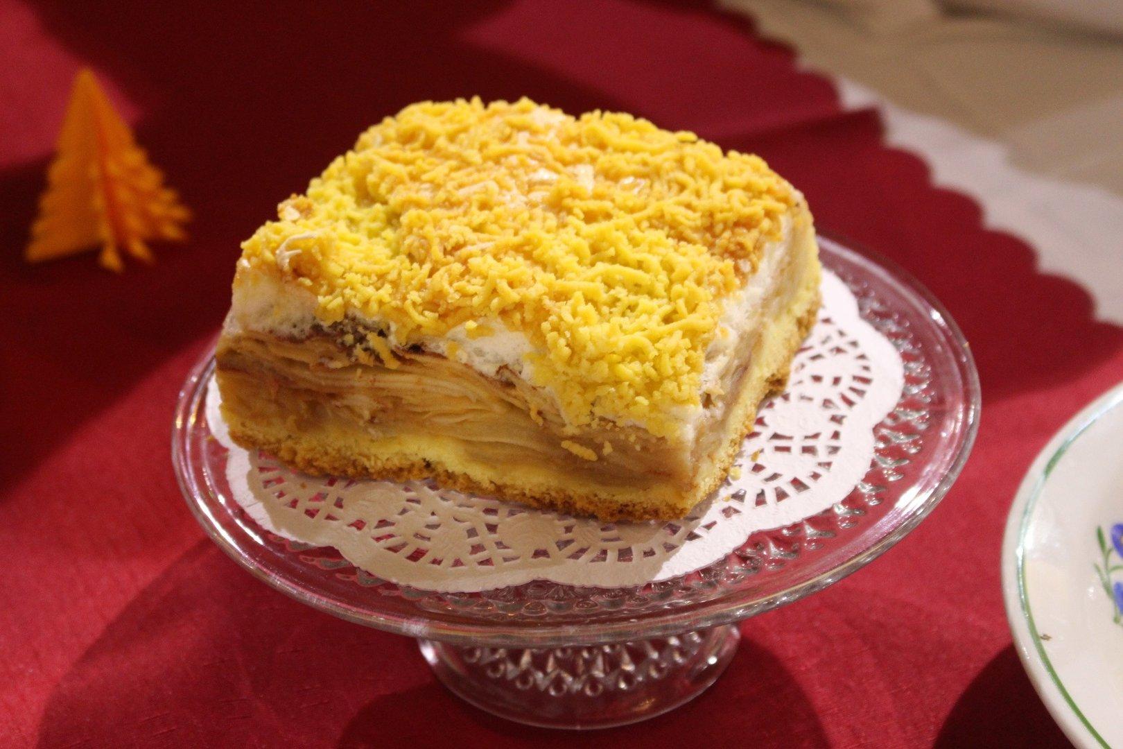 Jablecznik Przepis Na Smaczne Ciasto Podaje Kolo Gospodyn Wiejskich