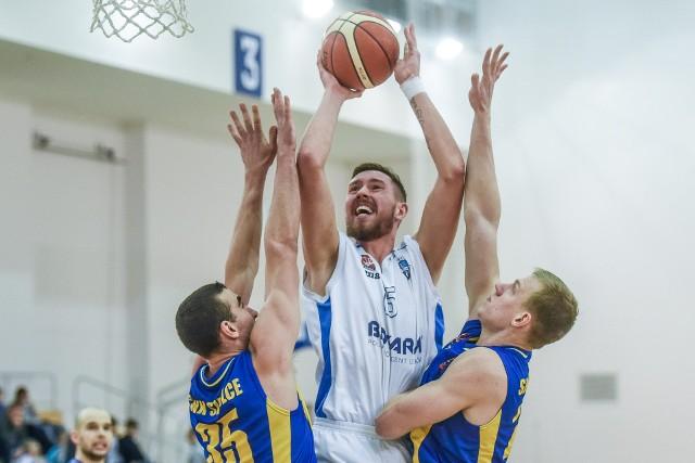 Filip Struski w środowym meczu zdobył dla Biofarmu Basket dziewięć punktów