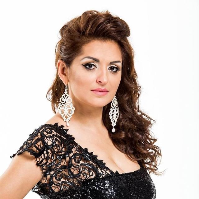 Gwiazdą wieczoru będzie Liza, jedna z najwybitniejszych romskich wokalistek i kompozytorek rosyjskiego pochodzenia.