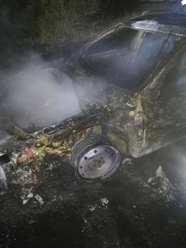 W nocy z 7 na 8 kwietnia w Mileszewach spłonął samochód osobowy