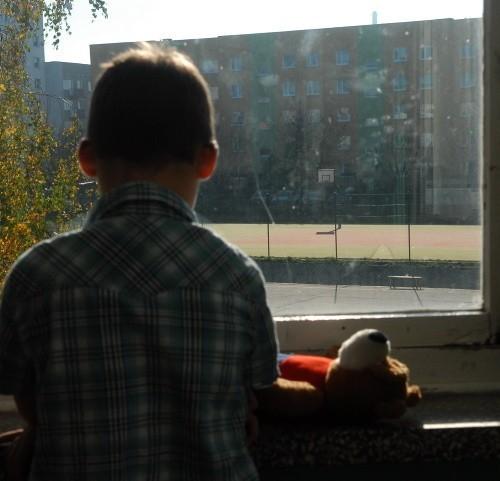 - Są smutne, depresyjne, tęsknią - mówi psycholog z Gorzowa o eurosierotach