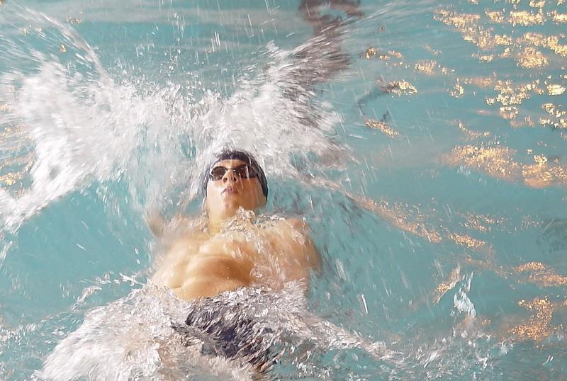 Przed samymi świętami grudziądzki pływak Tomasz Polewka wywalczył dwa srebrne medale mistrzostw Polski seniorów