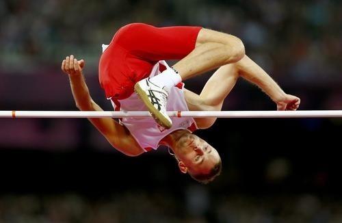 Swój najlepszy wynik - 182 cm - Łukasz Mamczarz osiągnął 16 czerwca br. na mityngu w Berlinie