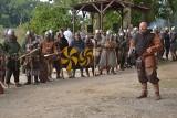 W Kikole odbył się Oldfest. Nad Jezioro Kikolskie zawitali dawni rzemieślnicy i średniowieczni wojowie [zdjęcia]