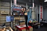 Ruszyła białostocka próba bicia rekordu Guinnessa. Paula Gorlo będzie podciągać się przez całą dobę! (zdjęcia)