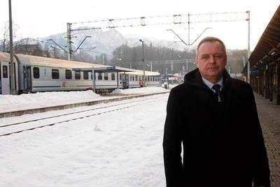 Dzięki decyzji radnych, którzy wydzierżawili spółce Tesko teren PKP, powstanie nowy dworzec autobusowy, a także odmieni się dworzec kolejowy - zapewnia Jerzy Piotrowski, szef spółki Tesko FOT. ŁUKASZ BOBEK