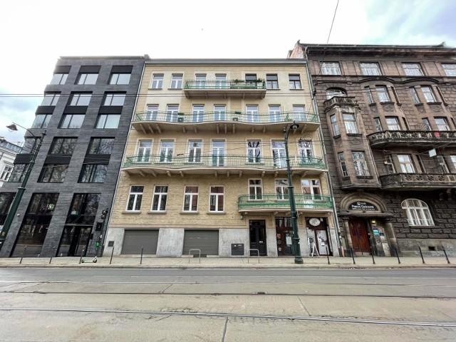 Przy ul. Straszewskiego 24, naprzeciwko Collegium Novum UJ, na nowego najemcę czeka lokal o powierzchni 17,96 mkw. Jednak kwietniowa aukcja została teraz odwołana