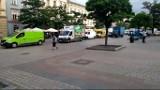 Samochodowy korek na Rynku Głównym w Krakowie [WIDEO]