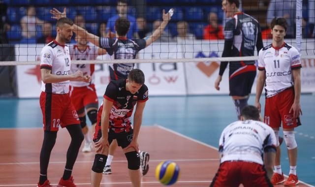Asseco Resovia przegrała u siebie z Biełogorie Biełgorod 0:3 i odpadła z Pucharu CEV.ZOBACZ TAKŻE - Aleksander Śliwka, przyjmujący Asseco Resovii po meczu z Łuczniczką Bydgoszcz