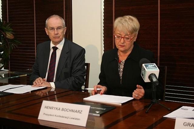 """Pracodawcy z """"Lewiatana"""" a bariery w biznesieHenryka Bochniarz (z prawej) i Jeremi Mordasewicz prowadzili czwartkową konferencję prezentującą najnowszą wersję Czarnej Listy Barier"""