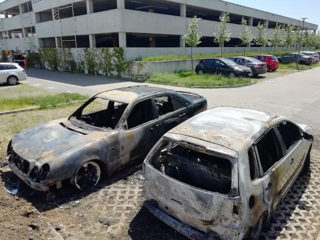 W tym tygodniu na Naramowicach doszło już do dwóch pożarów samochodów, w których spłonęły 3 auta.