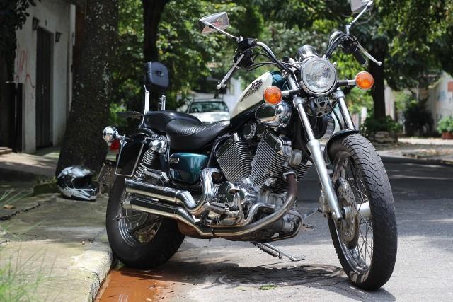Szukasz taniego samochodu, mieszkania, a może motocyklu w Rzeszowie? Sprawdź, co możesz kupić w licytacjach komorniczych! Kliknij na zdjęcie i przejdź do listy