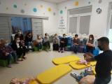 Szkolenie z udzielania pierwszej pomocy dzieciom. Jak ratować życie, uczyła się kadra brzezińskiego żłobka miejskiego