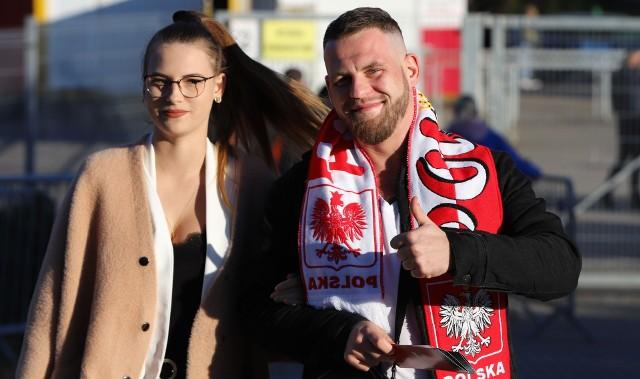 Reprezentacja Polski do 21 lat pokonała 3:0 San Marino w meczu grupy B eliminacji mistrzostw Europy. Spotkanie na Suzuki Arenie w Kielcach obejrzało 4126 osób.Mamy dla Was zdjęcia kibiców z tego meczu. Szukajcie się na fotkach. Zdjęcia na kolejnych slajdach>>>