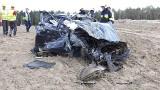 Tajemniczy śmiertelny wypadek na S3 między Nową Solą a Nowym Miasteczkiem. Z auta została miazga. Nikt nie wie co się stało [ZDJĘCIA]