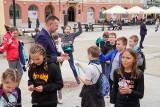 Białystok. Miasto przygotowało tysiąc bezpłatnych wejściówek na diabelski młyn dla najmłodszych. Koło pokręci się tydzień dłużej