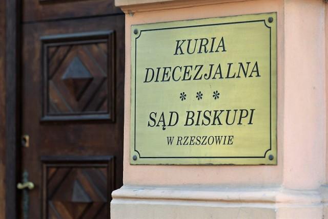 W związku z licznymi pytaniami na temat przygotowania do sakramentu bierzmowania w parafii pw. Miłosierdzia Bożego w Ropicy Polskiej stanowisko wydała Kuria Diecezjalna w Rzeszowie