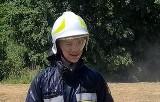 Chrzest bojowy młodego strażaka w gminie Pniewy w powiecie grójeckim. Zobacz film
