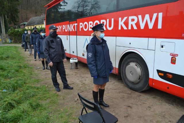 Krwiobus stanął w sobotę 5 grudnia przy Zakładzie Karnym w Koronowie