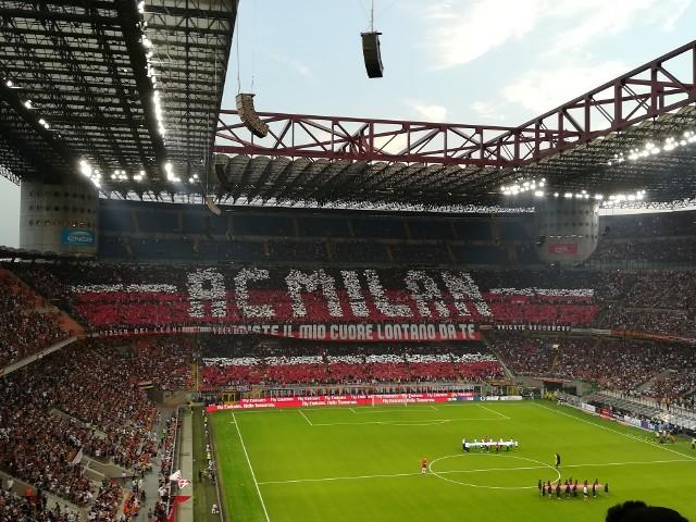 Rewanżowy mecz AC Milan - Manchester United rozpocznie się w czwartek, 18 marca o godz. 21