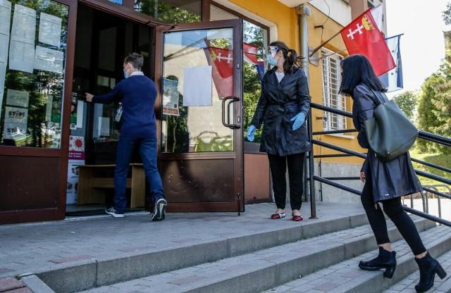 Marszałkowskie stypendia edukacyjne dla uczniów szkół zlokalizowanych na terenie województwa kujawsko-pomorskiego przyznawane są na 10 miesięcy danego roku szkolnego.