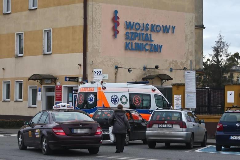 Polacy z Wuhan zostają w szpitalu. Ponowne badania