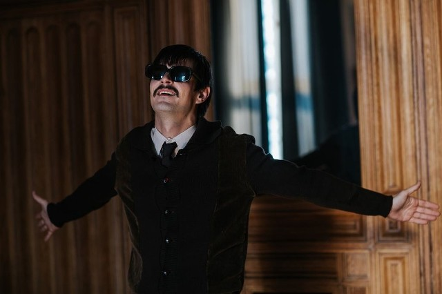 Ikar. Legenda Mietka Kosza.  Inspirowana prawdziwymi wydarzeniami historia niewidomego geniusza fortepianu. W ostrołęckim kinie Jantar od 18 do 20 października, od 22 do 27 października i od 29 do 31 października.