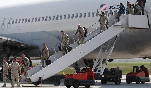 Jasionka Pierwszych 190 żołnierzy z VI kontyngentu wróciło z Afganistanu do domu.