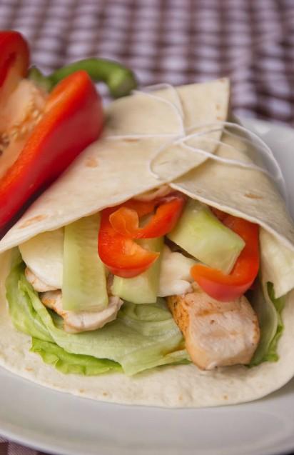 Tortilla Przepisy Domowe Placki Tortilla Z Kurczakiem Lososiem Na