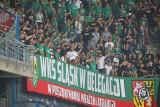 Kibice Śląska na meczu z Lechem. Fani z Wrocławia mieli powody do radości [ZDJĘCIA]