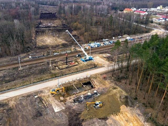 Trwa budowa Rail Baltiki. Zdjęcia przedstawiają postęp prac w Szepietowie
