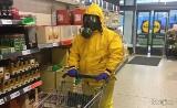 Koronawirus fashion. Jak się chronić przed wirusem? Kreatywnie! Tak koronawirus kreuje modę. Zobacz NOWE memy [ŚMIESZNE OBRAZKI] 24.03.2021