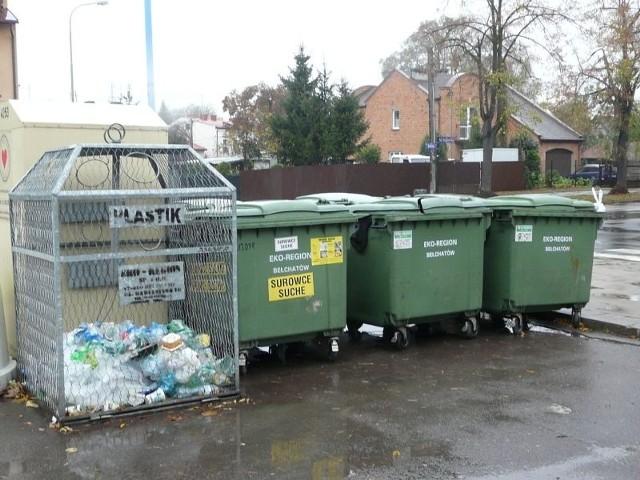 Śmieci do końca roku będzie wywoziła firma z Bełchatowa. Czas pokaże, czy miasto podpisze z nią kolejną umowę.