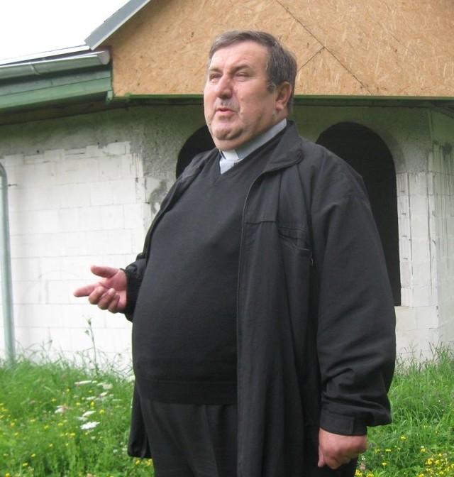- Jestem bardzo zadowolony, że władze miasta i powiatu chcą nam pomóc - mówi ksiądz Zygmunt Czepirski. - W najbliższych dniach podpiszemy porozumienie.