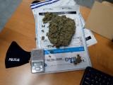 Pościg za młodym mężczyzną z gminy Skała. Patrol policyjny odkrył, że uciekinier miał przy sobie narkotyki