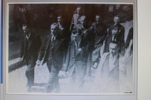 Pochód pierwszomajowy w Miastku - 1946 r.